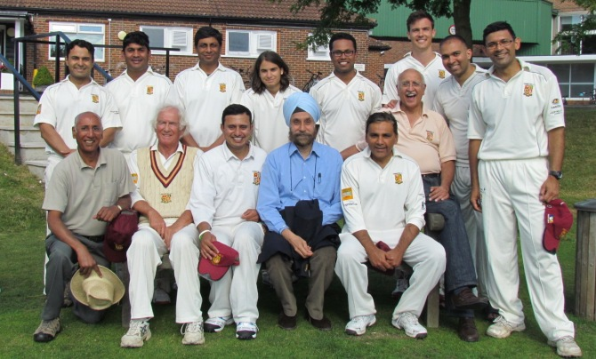AT THE BANK OF ENGLAND Back: Tabrez, Gabriel, Amit, Stefanos, Saikat, Bernard, Sid, Saurav Seated: San, Michael, Ravi, Navtej Sarna (Indian High Commissioner), Neeraj, Sunil