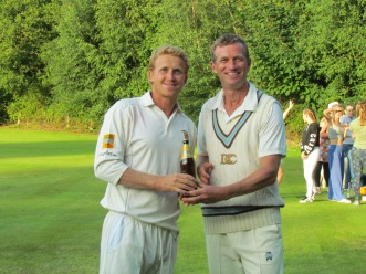 Alex Sabelli receives the Kensington Cobra award for his 77 runs