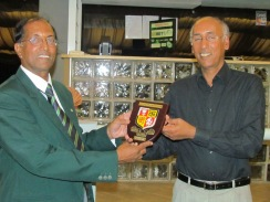 San presents the KCC gift to Alfonso