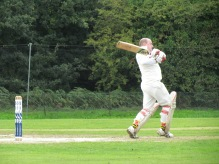 Steve Barton powers his way to 87 off 46 balls with 8 sixes and 7 fours