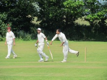 Neeraj Nayar picks up 3 wickets