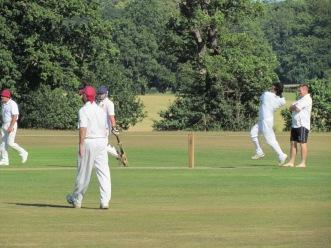 Wajid Tahir tears in to bowl