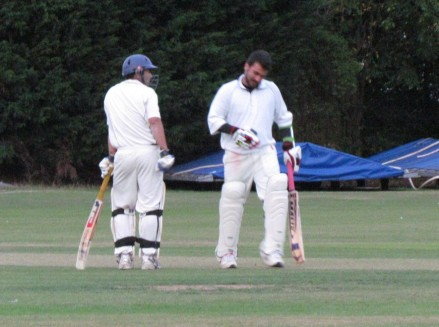 4 to win off the last ball - Tabby and Waj confer