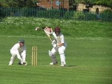 Jake Elliott smashes 29 in a last wicket partnership...